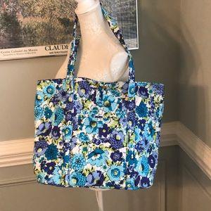 Vera Bradley NWT Vera XL Tote Blueberry Blossoms